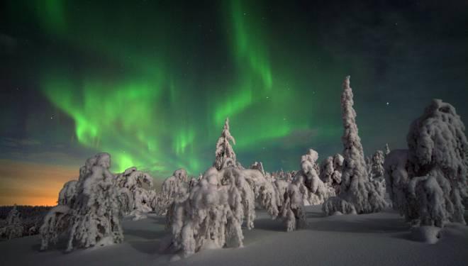 viaggio per osservare l 39 aurora boreale. Black Bedroom Furniture Sets. Home Design Ideas